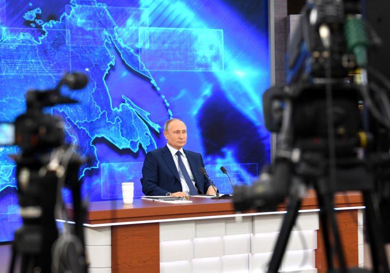 Владимир Путин подписал указ о предновогодних выплатах семьям с детьми до 8 лет