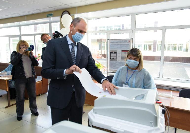 Выборы в Оренбуржье проходят с соблюдением санитарных требований