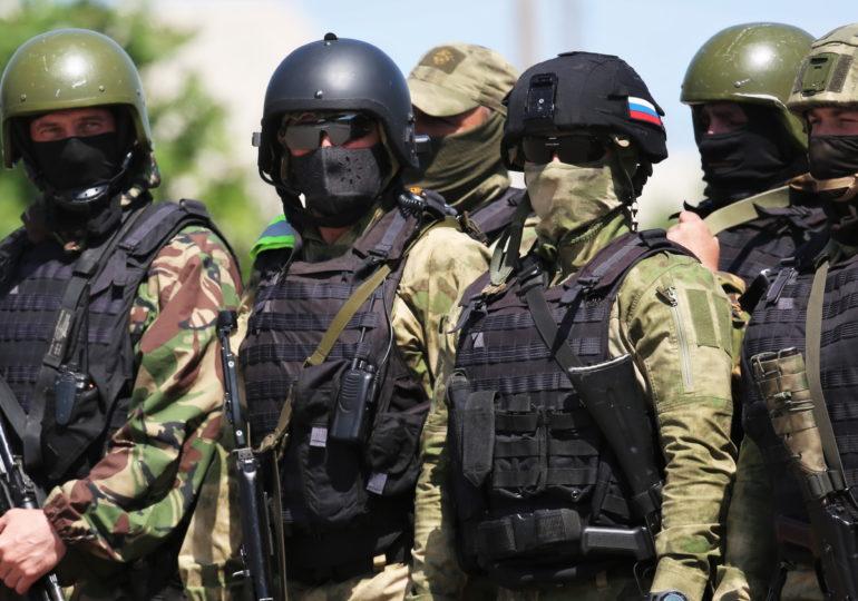 Российским военным и силовикам в сентябре разово выплатят по 15 тысяч рублей
