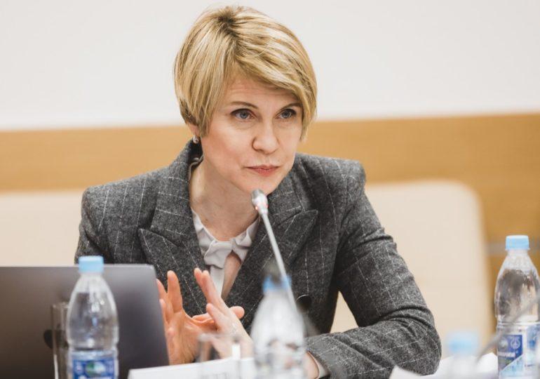 Елена Шмелева предложила распределять по вузам стобалльников ЕГЭ