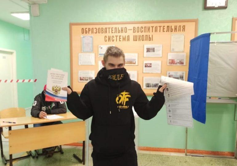 18-летний парень Алексей Старостенко голосует впервые